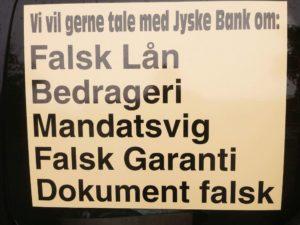 Selv om denne bedrageri sag, eller svig sag er ret alvorlig for jyske Banks omdømme både i Danmark og udlandet, :-) Nægtet jyske Banks ledelse stadig at tale med den kunde som jyske bank har stjålet af kassen hos. :-) Det handler om jyske Banks Troværdighed Ærlighed Hæderlighed Åbenhed Ja om Jyske Banks rigtige fundament :-) :-) Kunde skriver kun fordi jyske bank nægter at tale med han. :-) Hvad har vi gjort siden, jyske bank ikke vil tale med os